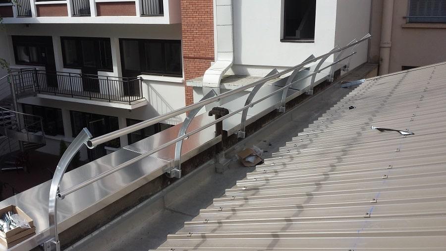 Couverture Bac acier et garde corps - chantier sur LYON